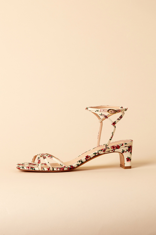 YOLAINE sandals